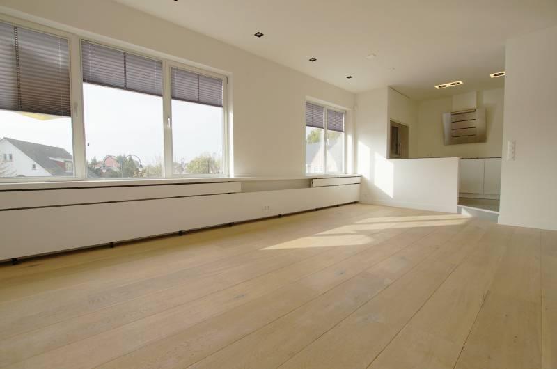Ruim luxe appartement te huur aan de weissenbruchlaan for Makelaar huurwoning rotterdam
